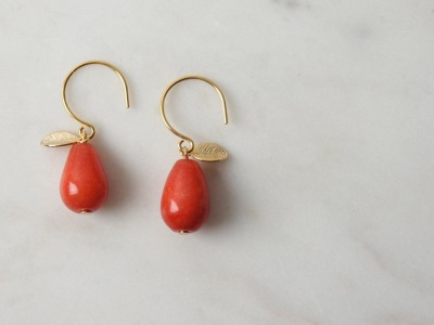 Ohrhänger vergoldet mit Tropfen aus roter