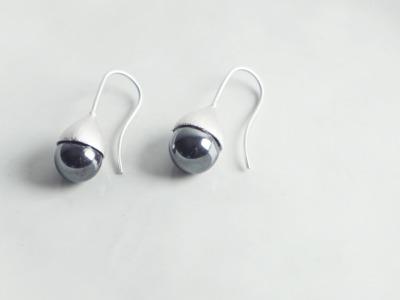 Ohrhänger Hütchen silber mit Perle Hämatit schwarz
