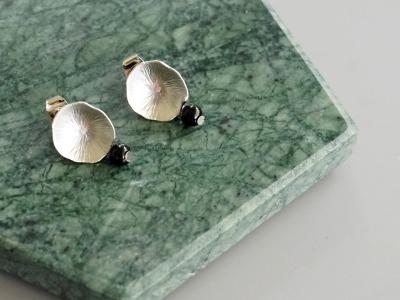 Ohrringe Ohrstecker Lotusblatt silber mit Perle Amethyst