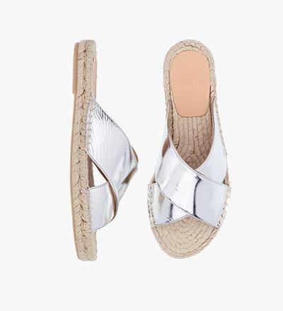 GLOSSY SILVER - Cross Sandal