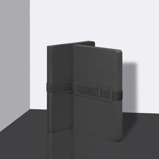 Voyager Black - Notebook M