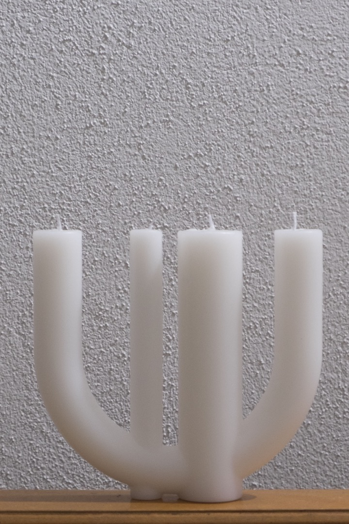 Candle 7 white