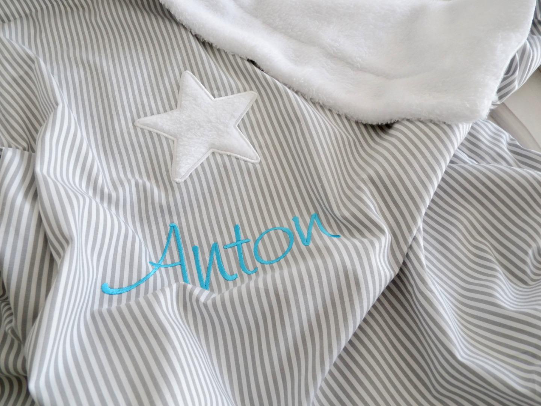 Babydecke mit Namen Vichy Streifen grau