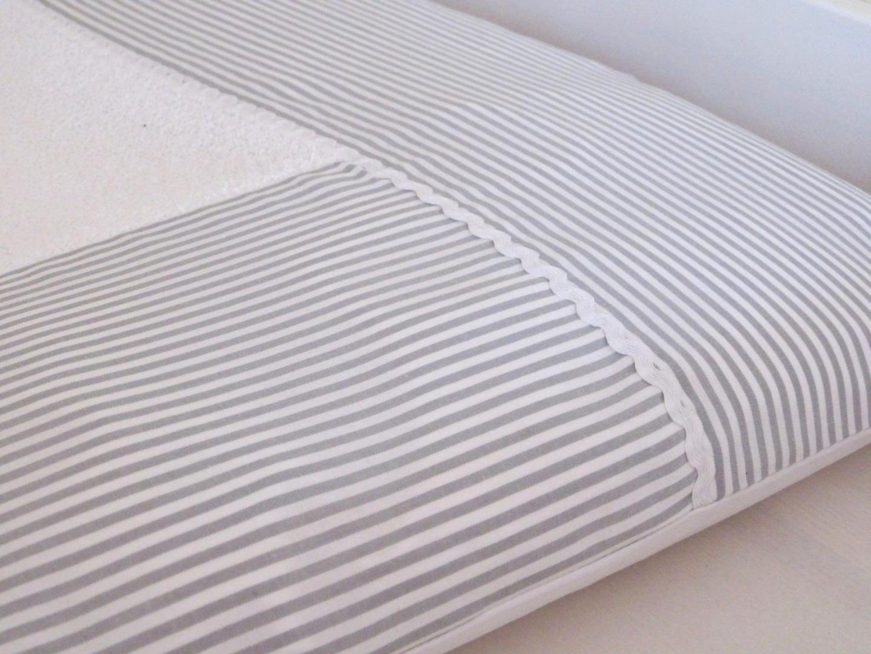 Wickelauflagenbezug Streifen grau