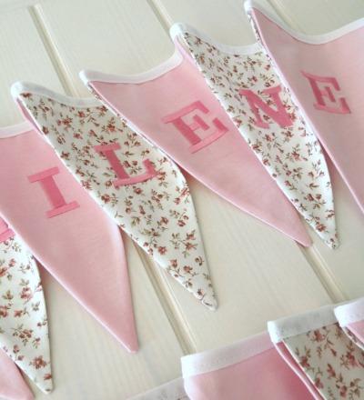 Mini Wimpelkette Millefleurs beige rosa Auf