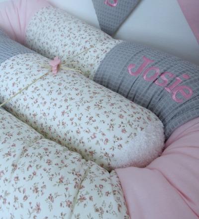 Bettschlange grau rosa Waffelpique Millefleur Auf