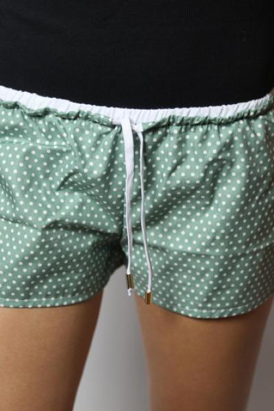 Bio Shorts Smölla grün weiße Punkte