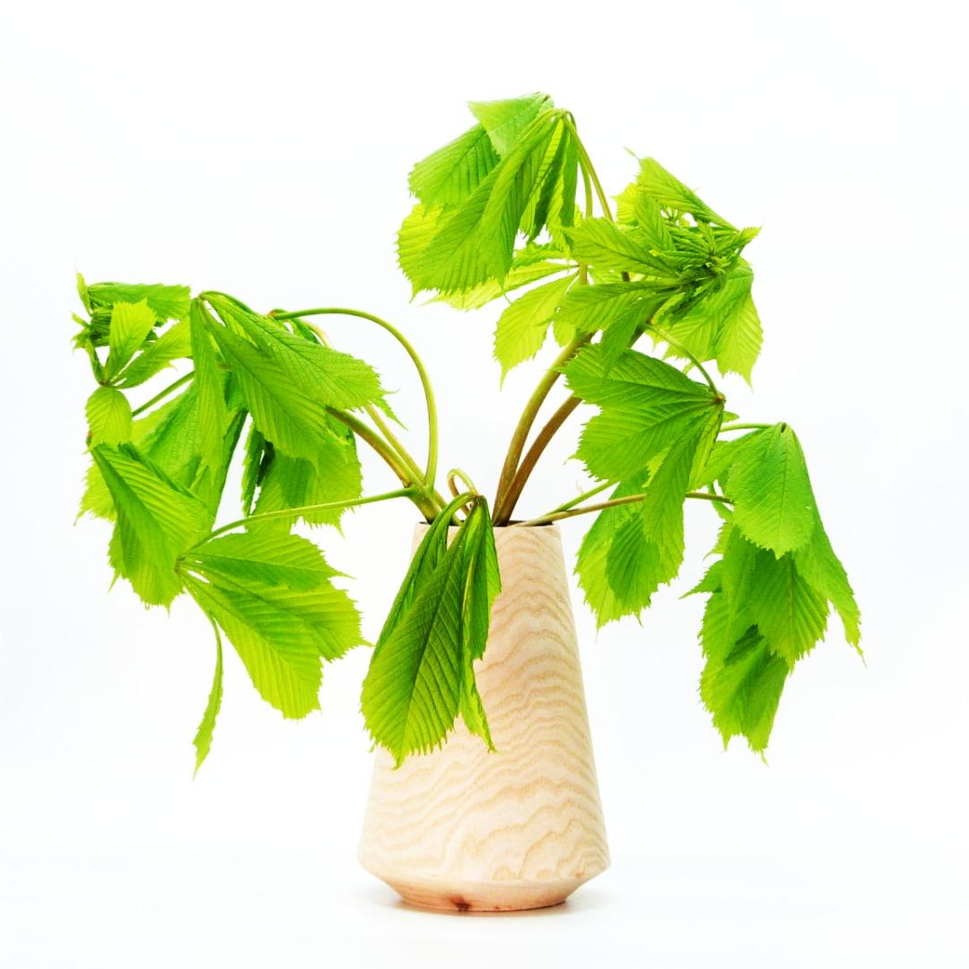 Lindenholzvase mit Recyclingglas konisch 5