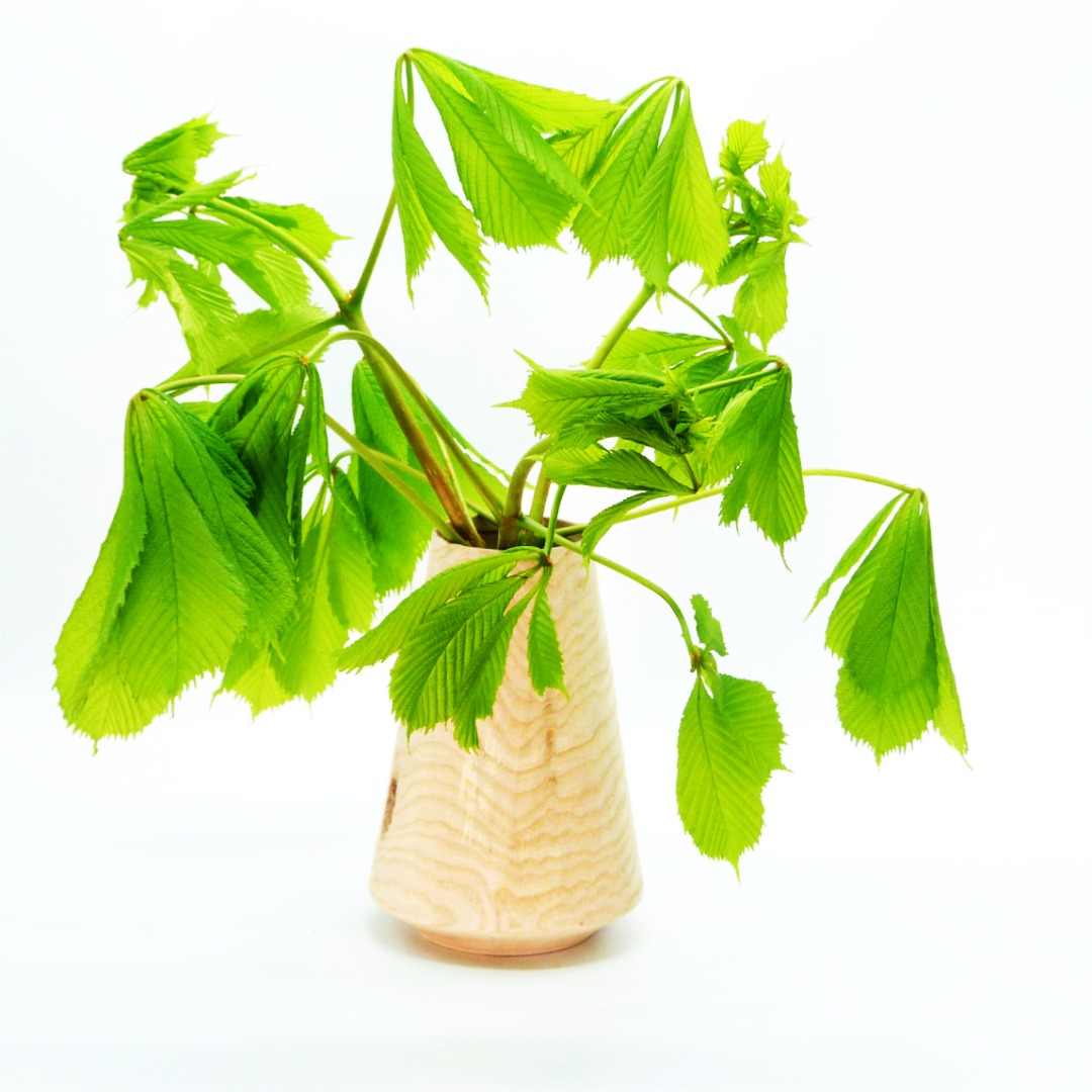 Lindenholzvase mit Recyclingglas konisch 7