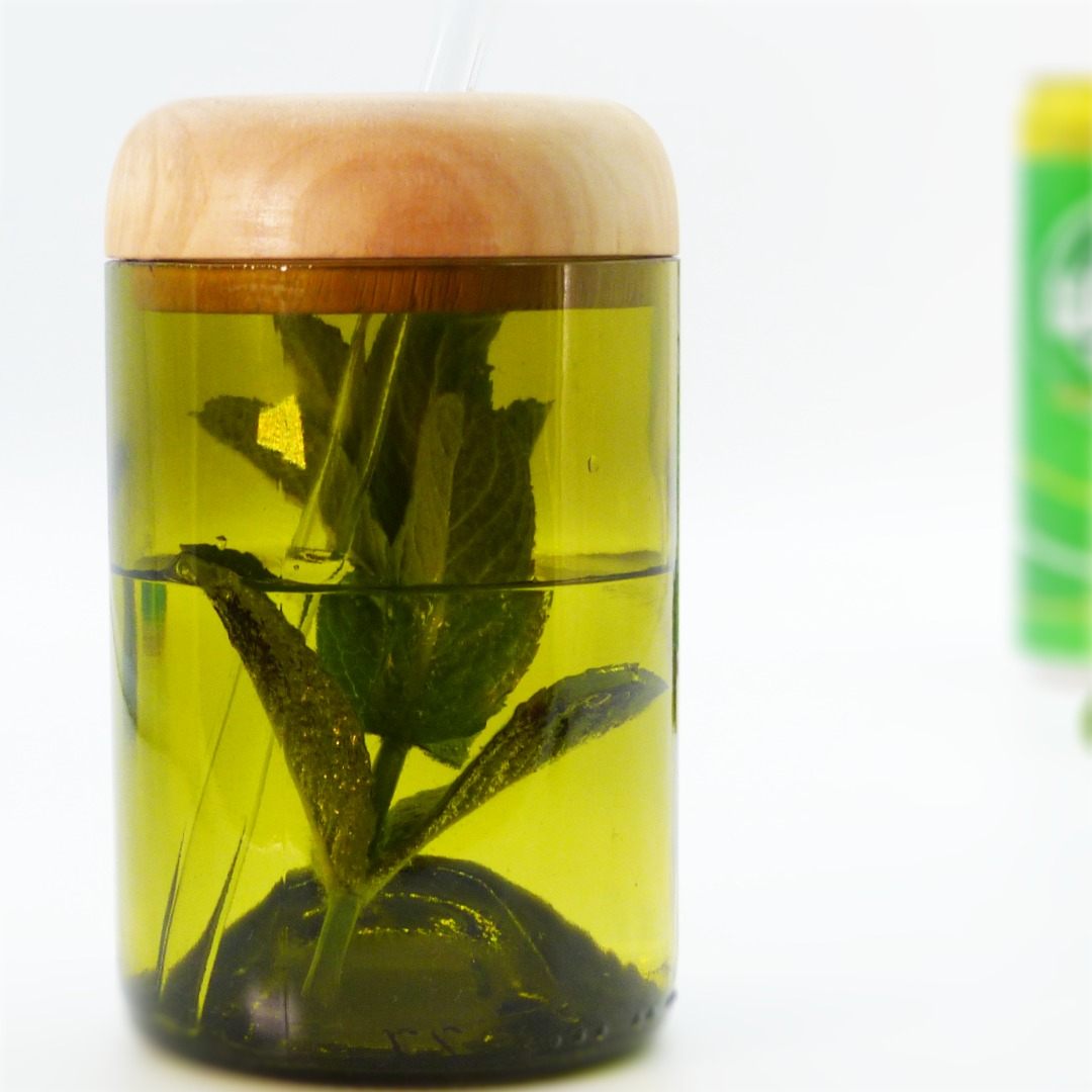 Trinkglas Recycling mit Deckel 4