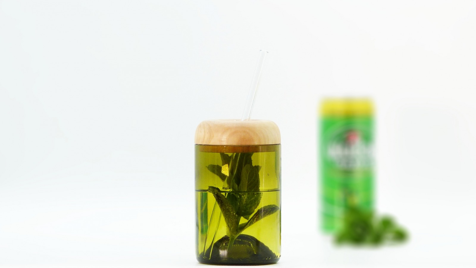 Trinkglas Recycling mit Deckel 6