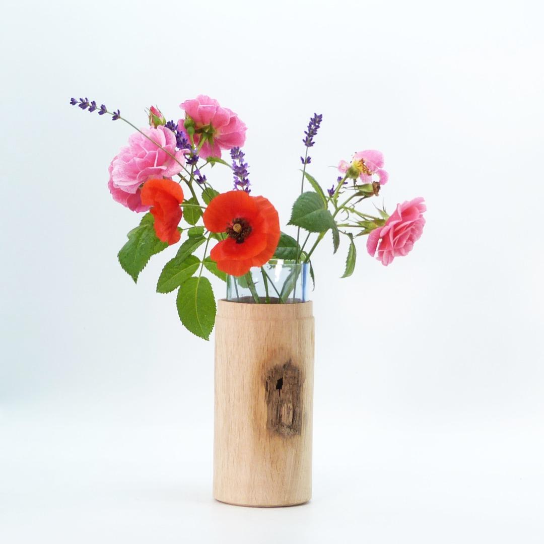 Vase aus Eichenholz