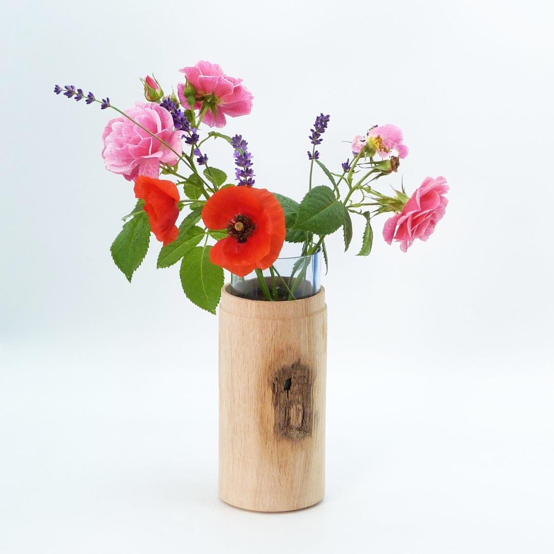 Vase aus Eichenholz 3