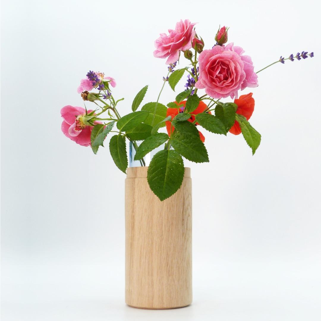 Vase aus Eichenholz 4