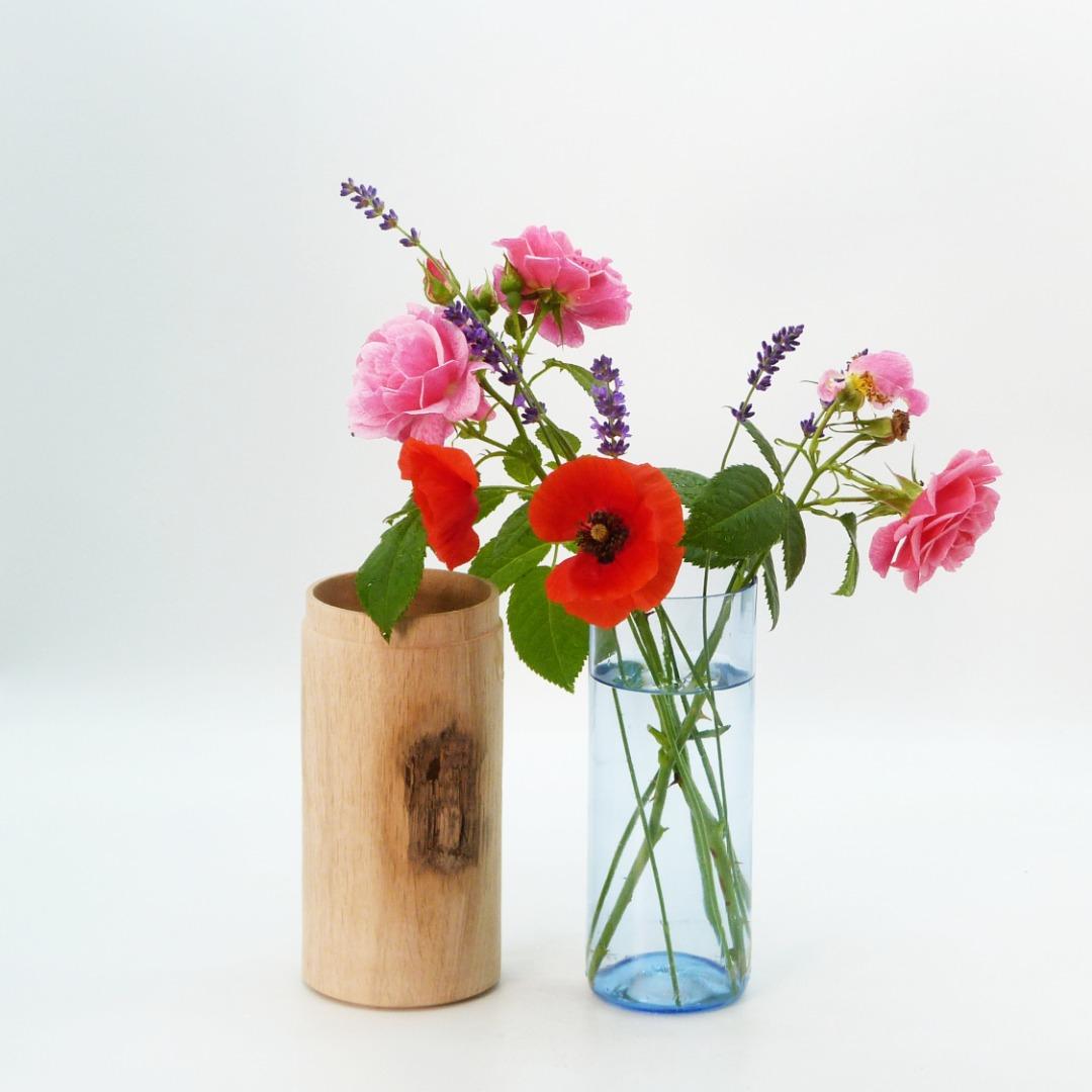 Vase aus Eichenholz 2