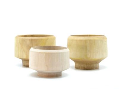 Holzschalen aus Walnussbaum Drei handgedrechselte
