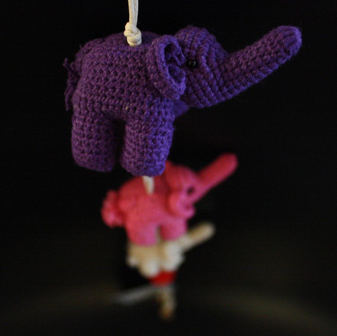 ONE-CLICK WONDERS Mobil Haekelelefanten lila pink 50 cm