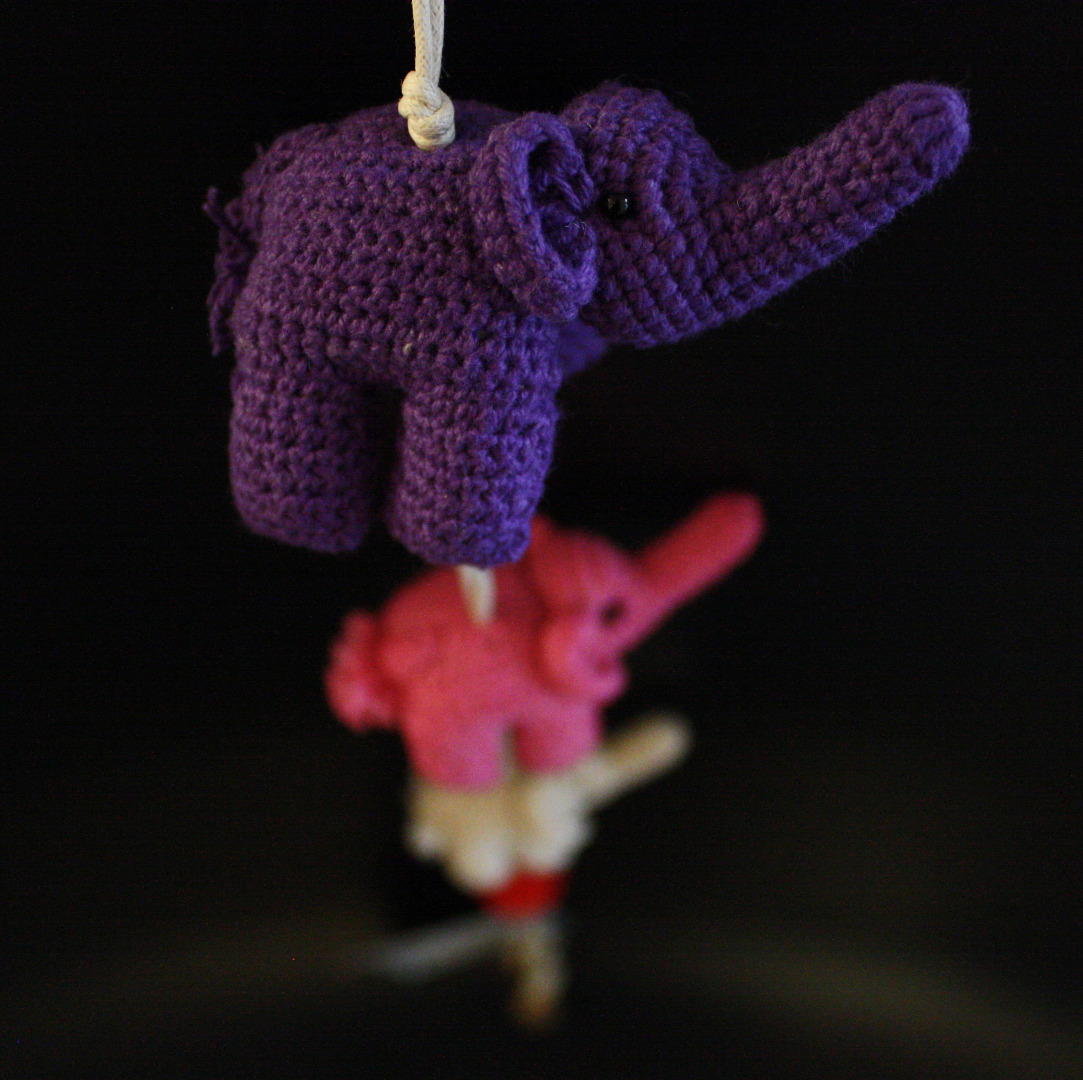 ONE-CLICK WONDERS Mobilé Häkelelefanten lila pink 50 cm - 5