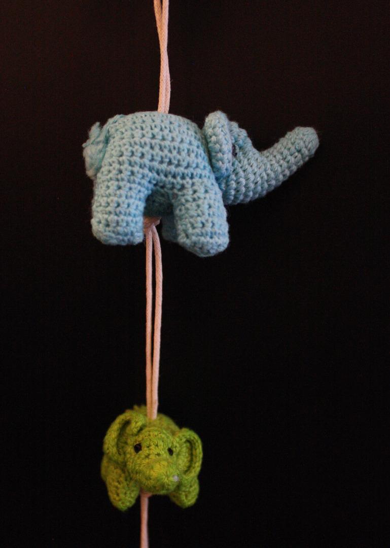ONE-CLICK WONDERS Mobil Haekelelefanten blau gruen 50 cm
