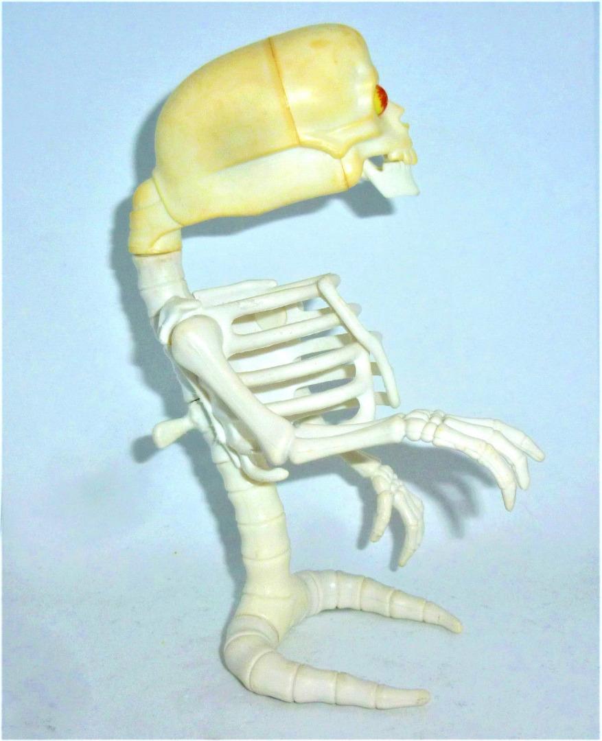 Bad-to-the-Bone Ghost / Knochengeist 2