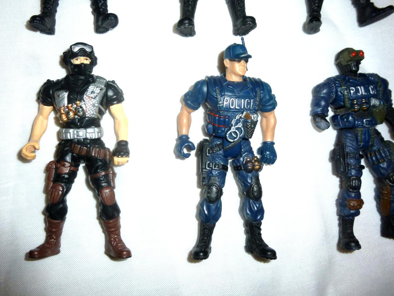 Police Force Actionfiguren 3