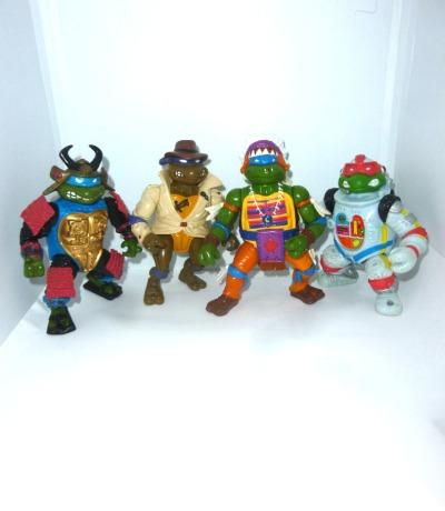 Turtles Figuren mit Löchern in den