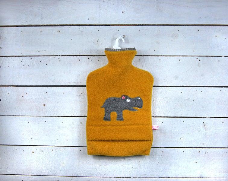 Wärmflasche - Senffarben mit Nilpferd