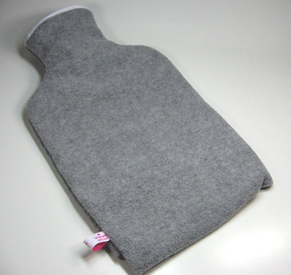 Personalisierte Wärmflasche mit rotem Herz - 3