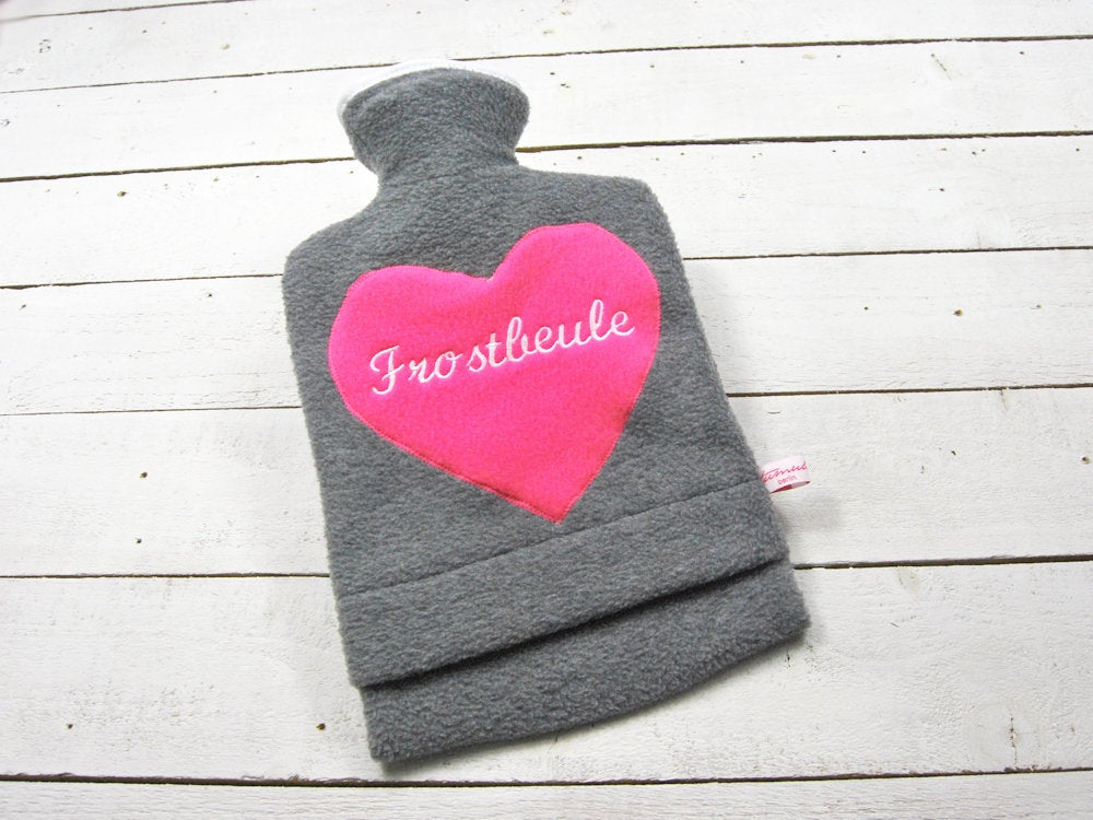 Bestickte Wärmflasche Frostbeule Herz in Pink - 1
