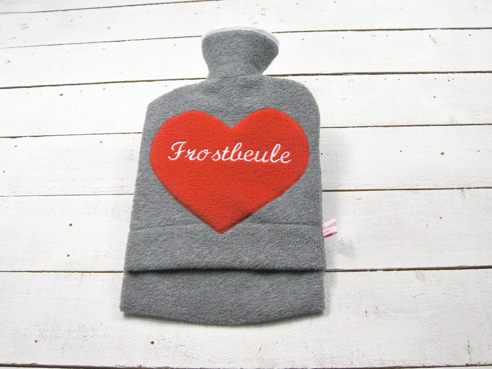 Bestickte Wärmflasche Frostbeule Herz in Rot - 1