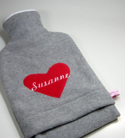 Personalisierte Wärmflasche mit rotem Herz Hülle