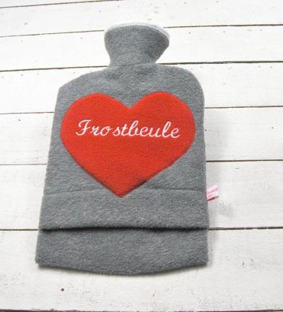 Bestickte Wärmflasche Frostbeule Herz in Rot