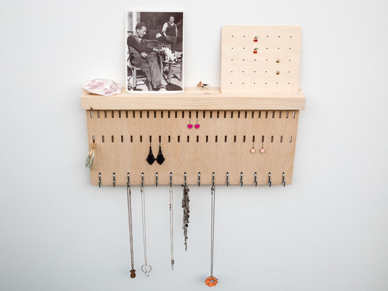 Schmuckhalter aus Holz für die Wand