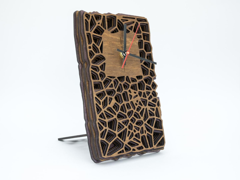 Wanduhr oder Tischuhr aus Holz mit