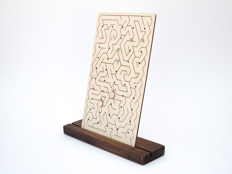 Design Ohrstecker Display aus Holz mit