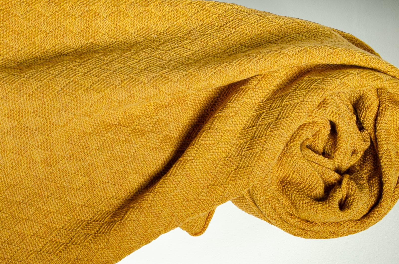 Merino Schal Weboptik einfarbig in senfgelb