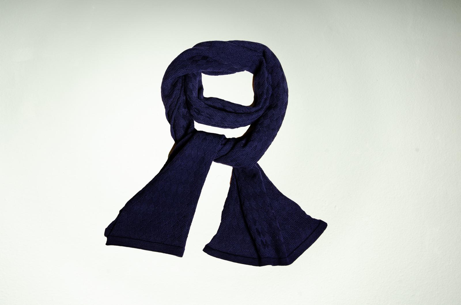 Merino Schal Weboptik einfarbig in dunkelblau