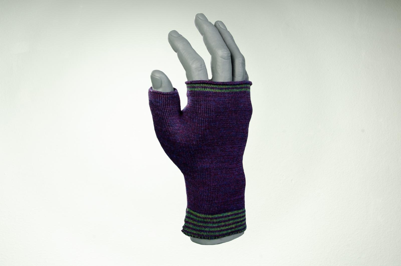 Merino Handwärmer Herren in lila und