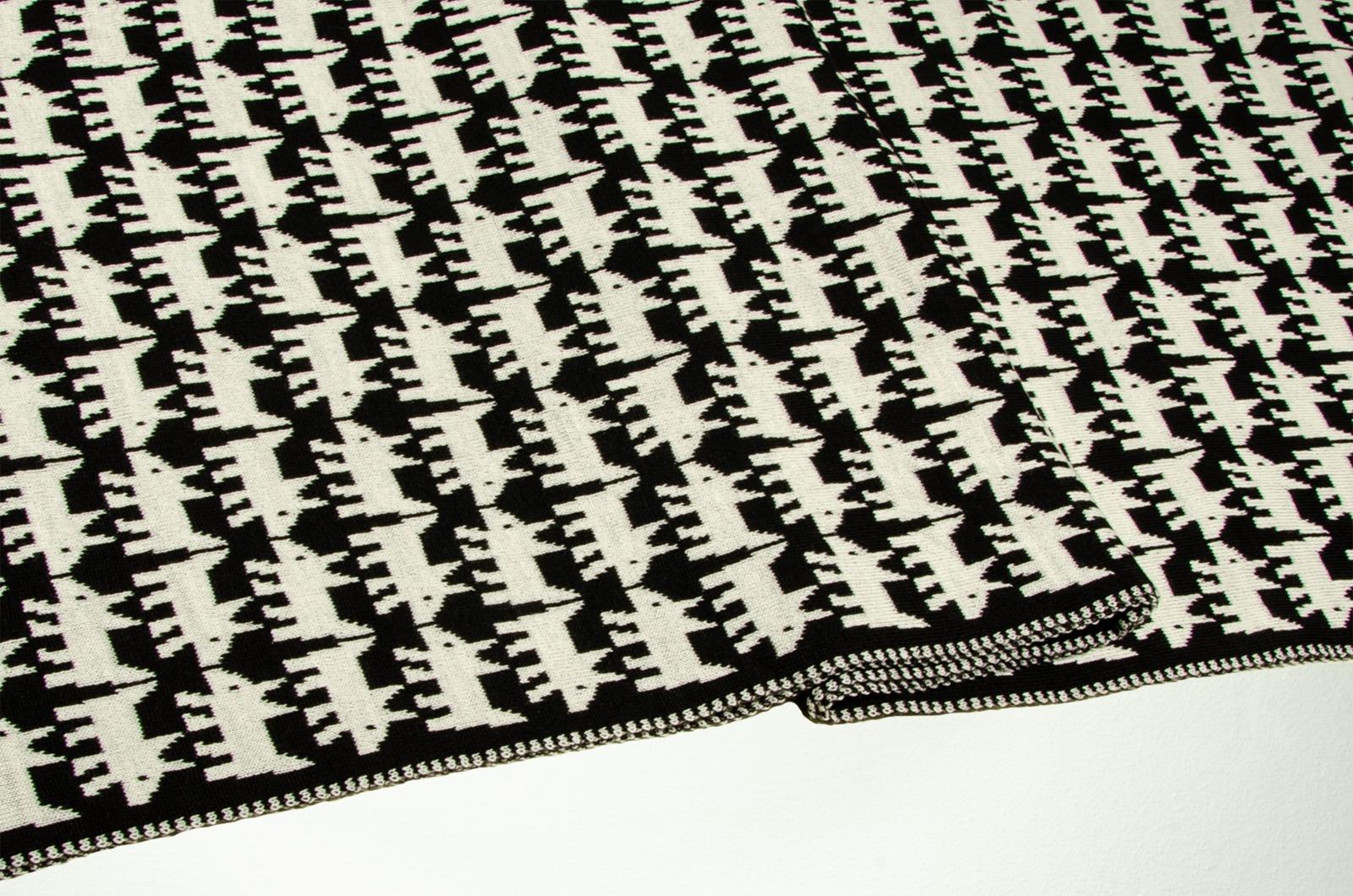 Merino Schal Hund in schwarz und
