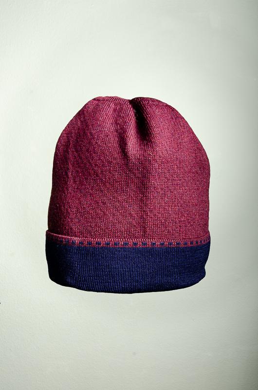 Merino Mütze Bundfarbe in weinrot und