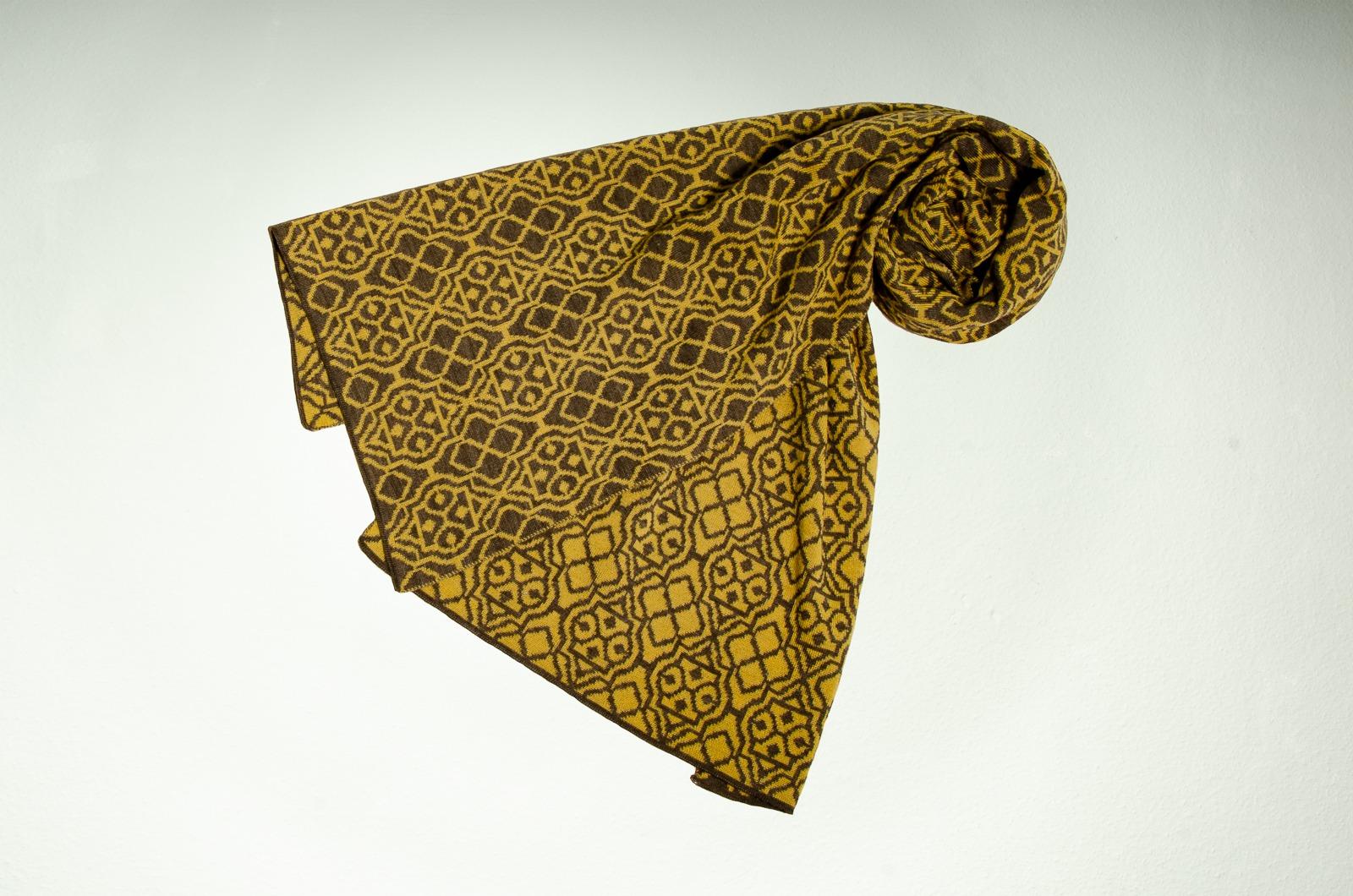 Merino Schal Netz in taupe und