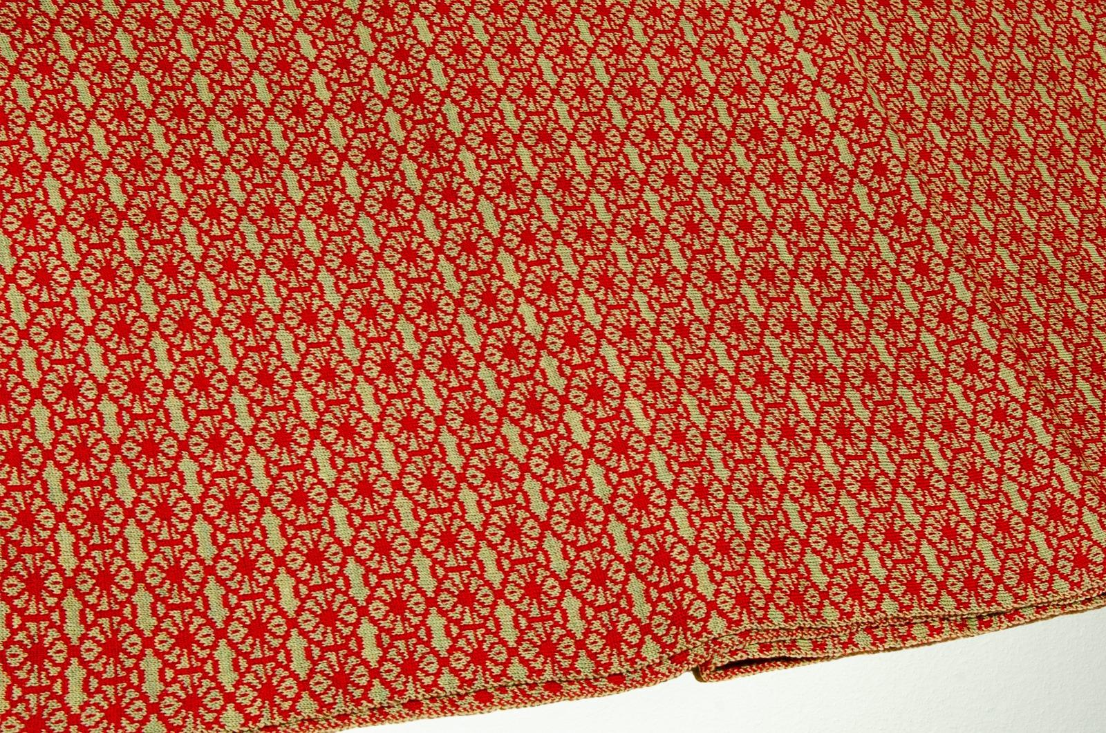 Merino Schal Blüte in rot und