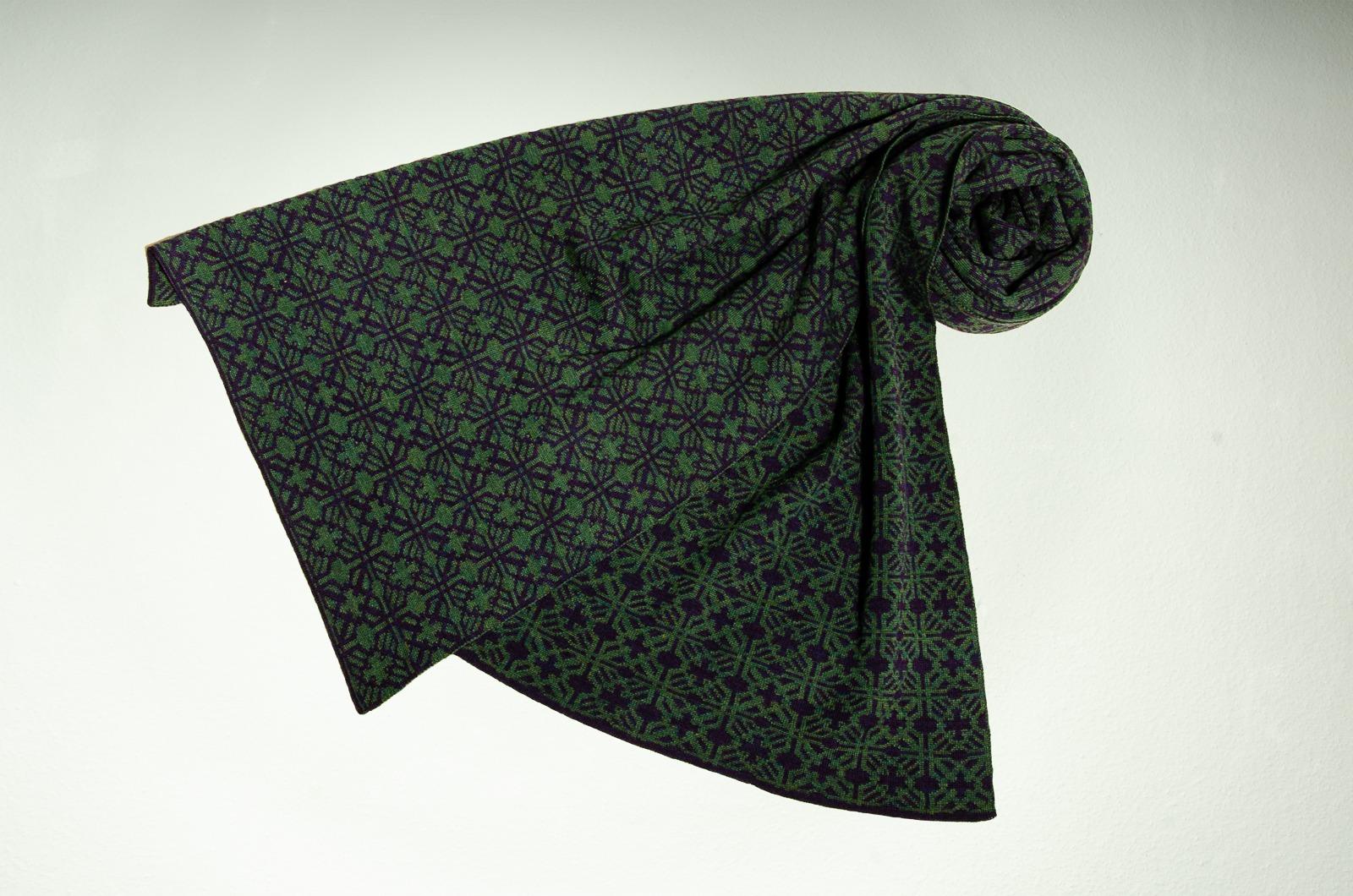 Merino Schal Irland in dunkelgrün und