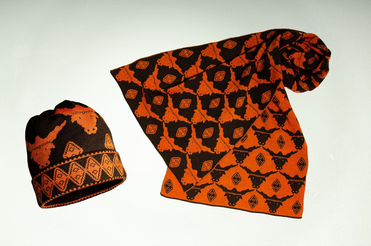 Mütze und Schal Stier