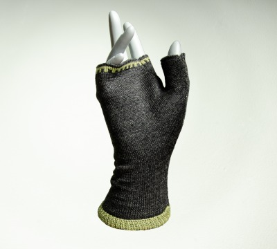Hand Warmer Coulors: anthracite and hay