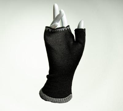 Merino Pulswärmer in schwarz und grau