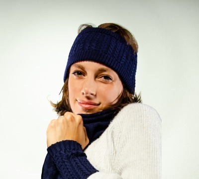 Stirnband Zopfmuster in dunkelblau Merino extrasoft