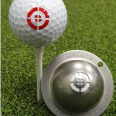 Tin Cup - Take Aim - Dieser Tin Cup ist eine Ball Schablone aus Edelstahl mit dem Design eines Zieles fuer Schuetzen. Mit einem feinen und wasserfesten Stift laesst sich dann das Design auf den Golf Ball malen.