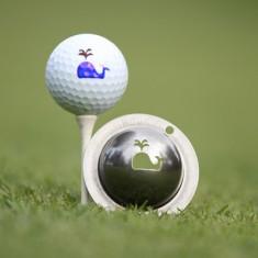 Tin Cup - Moby - Dieser Tin Cup ist eine Ball Schablone aus Edelstahl mit dem Design eines Wal. Mit einem feinen und wasserfesten Stift laesst sich dann das Design auf den Golf Ball malen.