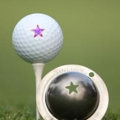 Tin Cup - Lone Star - Der Tin Cup ist eine Ball Schablone aus Edelstahl mit dem Design eines Sterns . Mit einem feinen und wasserfesten Stift laesst sich dann das Design auf den Golf Ball malen.